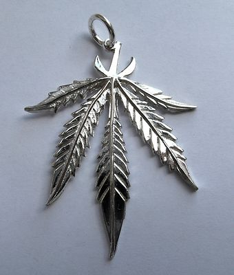 Sterling silver large cannabis leaf pendant 51g mozeypictures Image collections